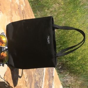 Genuine Kate Spade hand bag. Excellent condition.